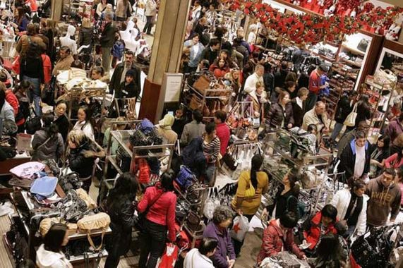 black-friday-shoppers-crowd-the-floor-at-macy-s-the-day-after-thanksgiving-486800777